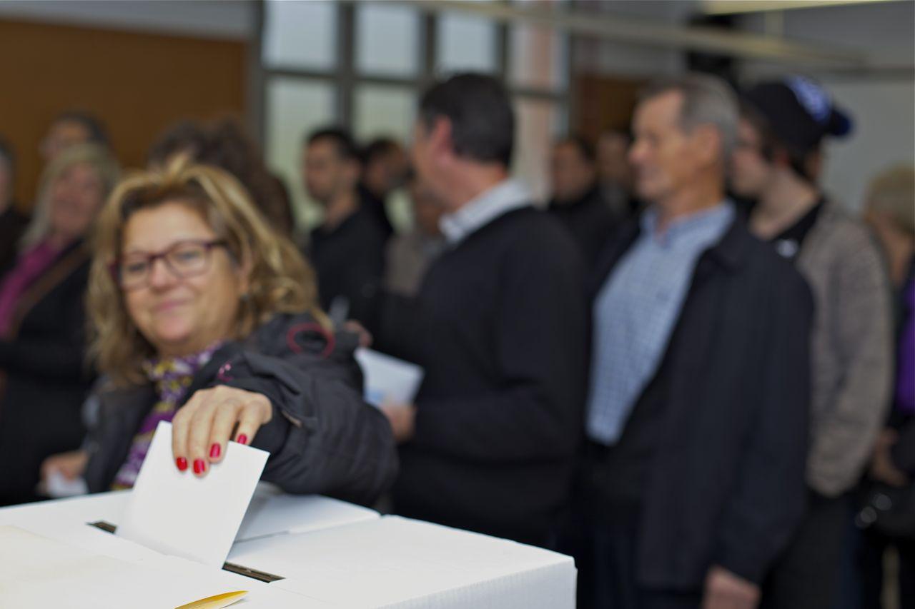 Les aules s'han omplert d'electors durant tot el matí © Jordi Vinyets